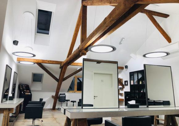 ONYXX Circular - Runde Pendelleuchte - im offenen Dachstuhl